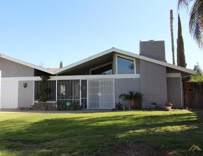 Bakersfield CA Single Family Home For Sale: $249,000