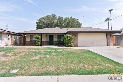 Bakersfield Single Family Home For Sale: 2004 Hasti Acres Drive