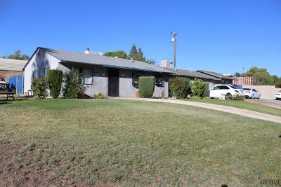 Bakersfield Single Family Home For Sale: 2000 Bernard Street