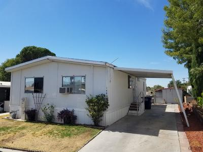 Bakersfield Manufactured Home For Sale: 8300 Kern Canyon Road #140