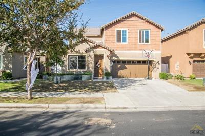 Bakersfield Single Family Home For Sale: 1817 Delacorte Drive