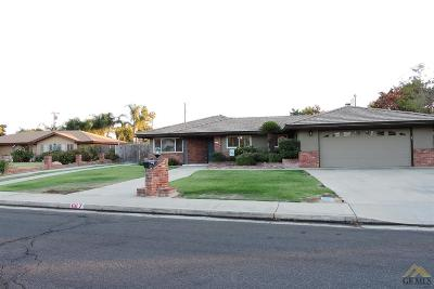 Bakersfield CA Single Family Home For Sale: $349,000