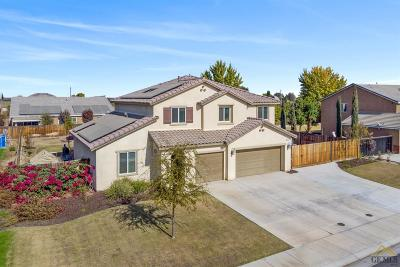 Bakersfield Single Family Home For Sale: 15616 Montalone Place