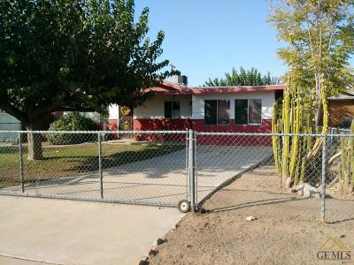 Arvin Single Family Home For Sale: 230 Laurel Avenue