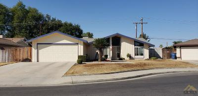Bakersfield Single Family Home For Sale: 3209 Kennedy Way