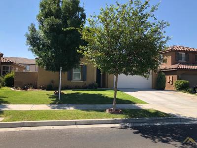 Bakersfield Single Family Home For Sale: 10207 Riata Lane
