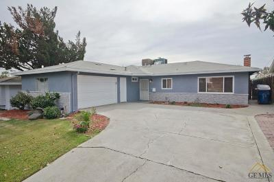 Bakersfield Single Family Home For Sale: 2404 Kayoming Avenue