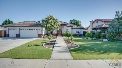 Single Family Home For Sale: 14720 Redwood Pass Drive