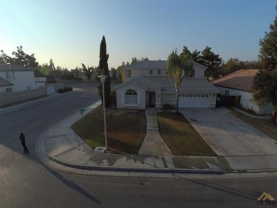 Bakersfield Single Family Home For Sale: 5825 Sky Lakes Drive