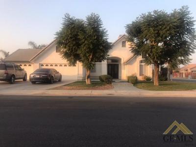Bakersfield Single Family Home For Sale: 4200 Rock Lake Drive
