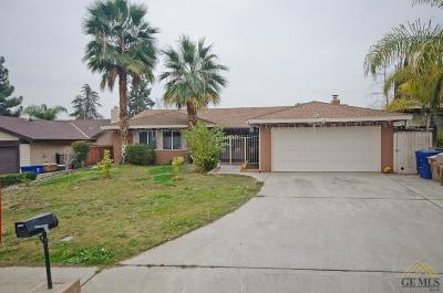 Bakersfield Single Family Home For Sale: 2208 Chris Court