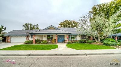 Bakersfield Single Family Home For Sale: 5207 Deville Court