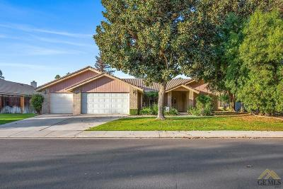 Bakersfield CA Single Family Home For Sale: $319,900