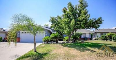 Bakersfield CA Single Family Home For Sale: $247,000