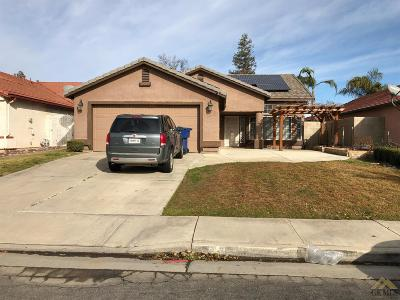 Bakersfield CA Single Family Home For Sale: $279,000
