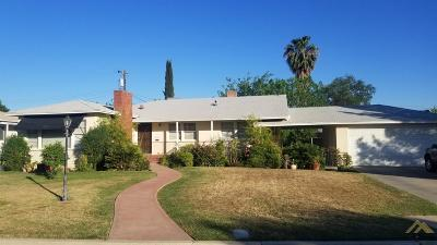 Bakersfield Single Family Home For Sale: 2115 Sacramento Street
