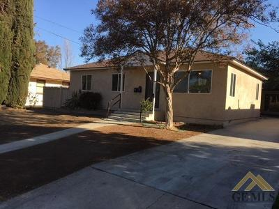Bakersfield CA Single Family Home For Sale: $199,000