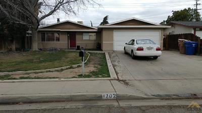 Bakersfield Single Family Home Active-Contingent: 1202 Washington Avenue