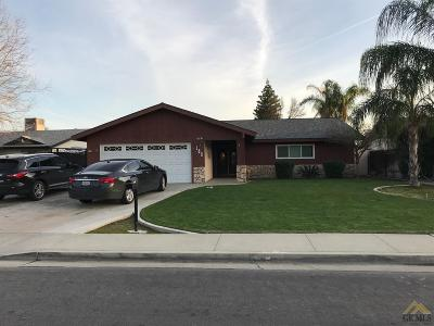 Bakersfield CA Single Family Home For Sale: $247,900