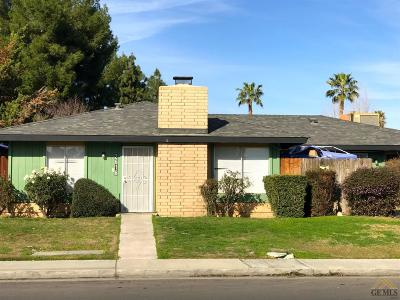 Bakersfield Multi Family Home For Sale: 2616 Half Moon Drive
