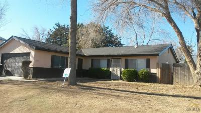 Tehachapi Single Family Home For Sale: 811 811 Kelton Street