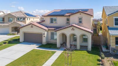 Bakersfield Single Family Home For Sale: 7708 Prism Way