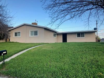 Bakersfield Single Family Home For Sale: 2705 Fairfax Road