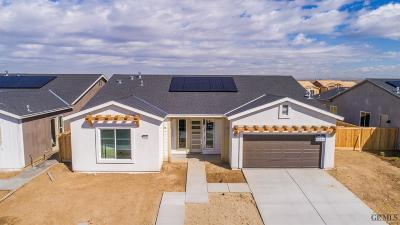 Shafter Single Family Home For Sale: 9313 Majestic Falls Lane