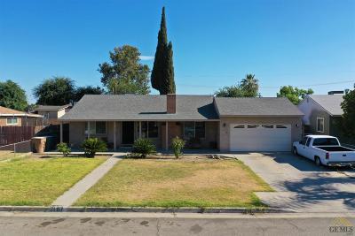 Bakersfield Single Family Home Active-Contingent: 2107 Ellen Way