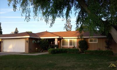 Bakersfield CA Single Family Home For Sale: $240,000