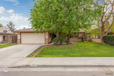 Bakersfield Single Family Home For Sale: 4301 Sugar Cane Avenue