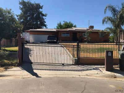 Bakersfield Single Family Home For Sale: 2320 Edgewood Street