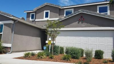 Bakersfield Single Family Home For Sale: 5710 Gold Coast Court #146