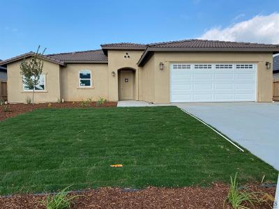 Bakersfield Single Family Home For Sale: 8714 Morning Star Avenue