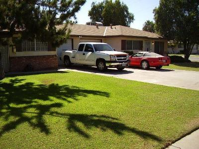 Bakersfield Multi Family Home For Sale: 324 S Real Rd Road