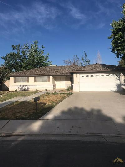 Bakersfield Single Family Home For Sale: 2001 Westminster Drive
