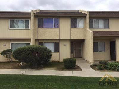 Bakersfield Condo/Townhouse For Sale: 930 Olive Drive #20
