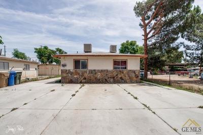 Lamont Multi Family Home For Sale: 11017 Santa Ana Street