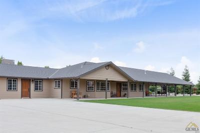 Bakersfield Single Family Home For Sale: 17847 Nikkel Court