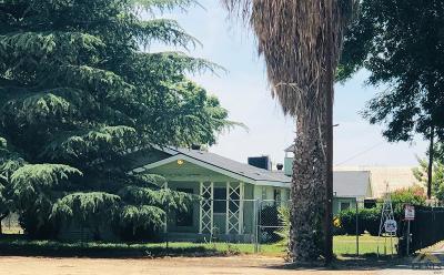 Single Family Home For Sale: 14829 Magnolia