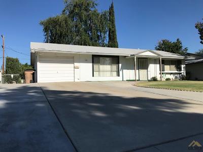 Single Family Home For Sale: 905 River Oaks Drive