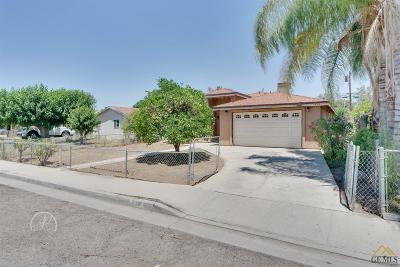 Arvin Single Family Home For Sale: 632 Grove Street