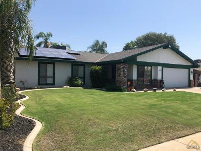 Bakersfield Single Family Home For Sale: 3513 Mission Hills Street