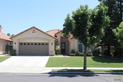 Bakersfield Single Family Home For Sale: 2106 Snowdrop Drive