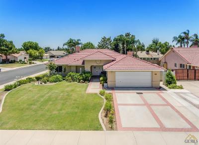 Single Family Home For Sale: 13801 Las Entradas