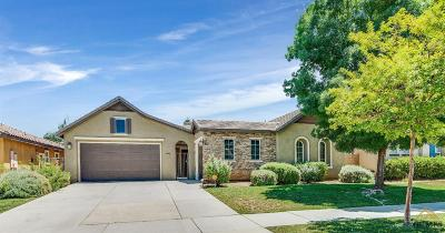 Bakersfield Single Family Home For Sale: 5523 Segovia Way