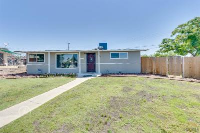 Bakersfield Single Family Home For Sale: 1133 Acacia Avenue