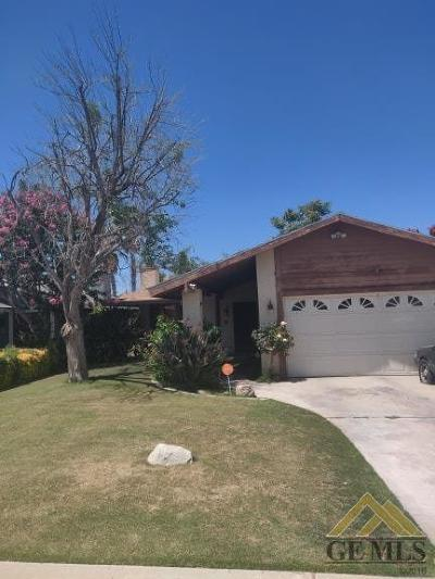Bakersfield Single Family Home For Sale: 1320 Bayne Court