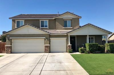 Single Family Home Active-Contingent: 15322 Montalone Place