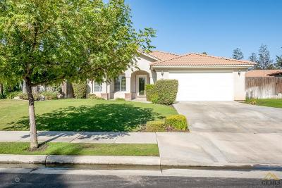 Bakersfield Single Family Home For Sale: 3205 Waterloo Place